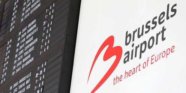 Chaos mondial dans les aéroports à cause d'un système de check-in, des files à l'aéroport de Bruxelles - La Libre