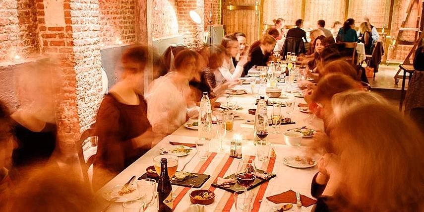 saint gilles partager un repas avec des inconnus la libre. Black Bedroom Furniture Sets. Home Design Ideas