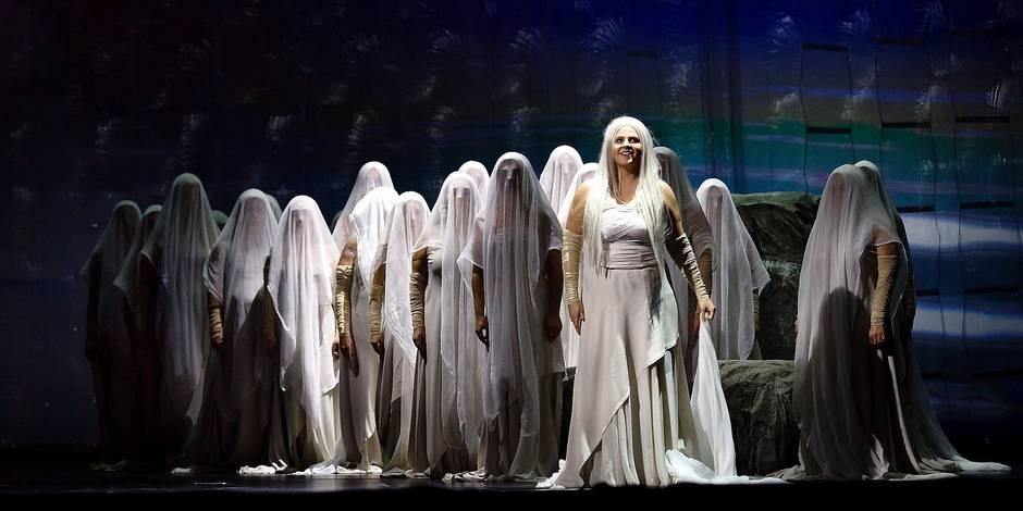 """""""La Favorite"""" de Donizetti: bien chanté, mais dans un français approximatif et une production ratée"""