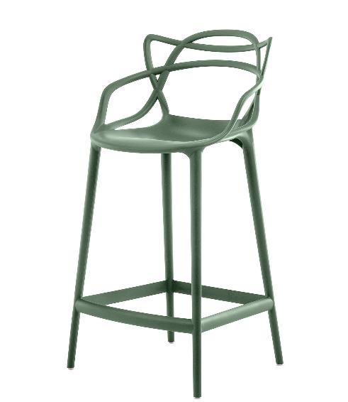 Chaise de bar Kartell, 303 euros - 20 % sur  www.madeindesign.com