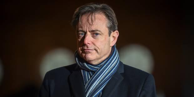 De Wever souhaite un cadre légal pour autoriser le recours à des policiers volontaires - La Libre