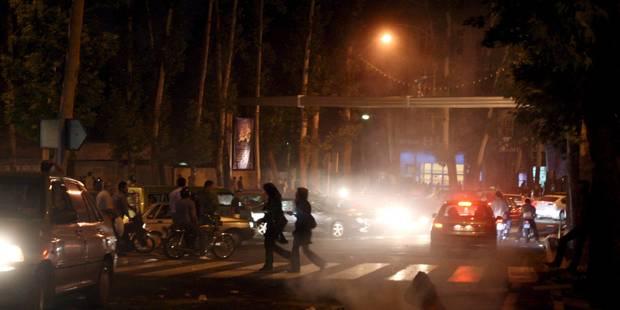 Iran: 230 jeunes arrêtés dans deux soirées mixtes - La Libre