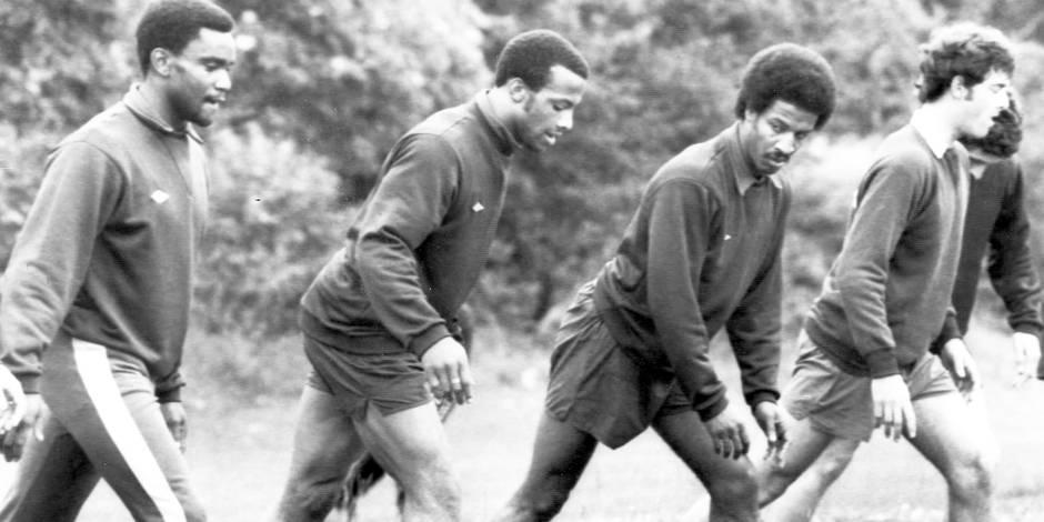 Décès de Cyrille Regis: le foot anglais perd une légende, l'un de ses premiers joueurs noirs de l'époque raciale - La Li...