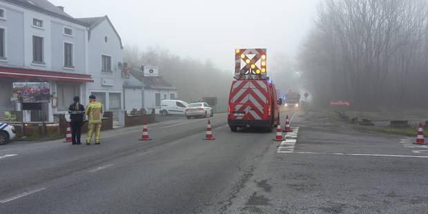 Une violente collision entre un camion et une voiture fait un mort à Florennes - La Libre