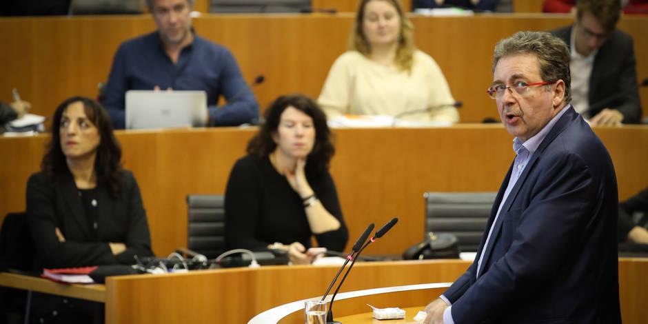 """Du """"coup"""" de Lutgen à la """"menace"""" d'Onkelinx: Les Bruxellois proches d'un compromis à la belge sur les allocations"""