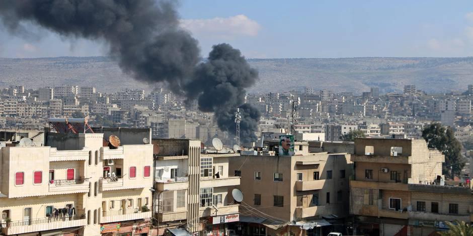 Des Syriens asphyxiés après des bombardements du régime