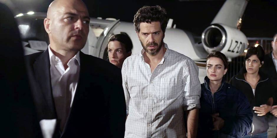 Ishai Gola (Ben Raphael), Ania Bukstein (Asia Brinditch), Magi Azarzar (Natalie Elfassia)