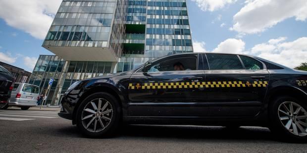 """Les taxis bruxellois préviennent: """"Nous bloquerons tous les accès à Bruxelles ce mardi"""" - La Libre"""