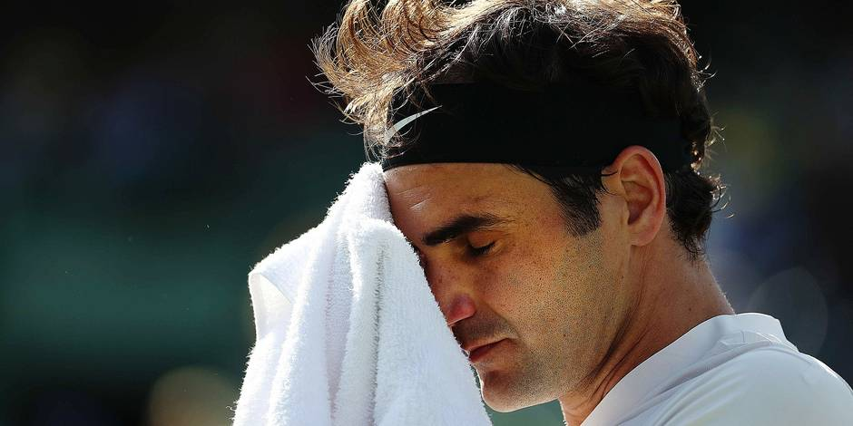 KEY BISCAYNE, FL - MARCH 24: Roger Federer of Switzerland reacts to a lost point against Thanasi Kokkinakis of Australia during his loss on Day 6 of the Miami Open at the Crandon Park Tennis Center on March 24, 2018 in Key Biscayne, Florida. Al Bello/Getty Images/AFP == FOR NEWSPAPERS, INTERNET, TELCOS & TELEVISION USE ONLY ==