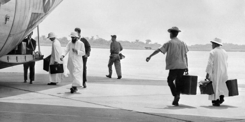Some missionaries leave the former colony Belgian Congo (Congo Belge), now called Democratic Republic of the Congo (DRC), after Congolese independence on 30 June 1960 at the N'Gili airport, on July 21, 1960 in Leopoldville, now Kinshasa. / AFP PHOTO