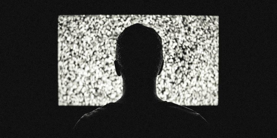 Voici le temps que le Belge passe en moyenne devant la télévision